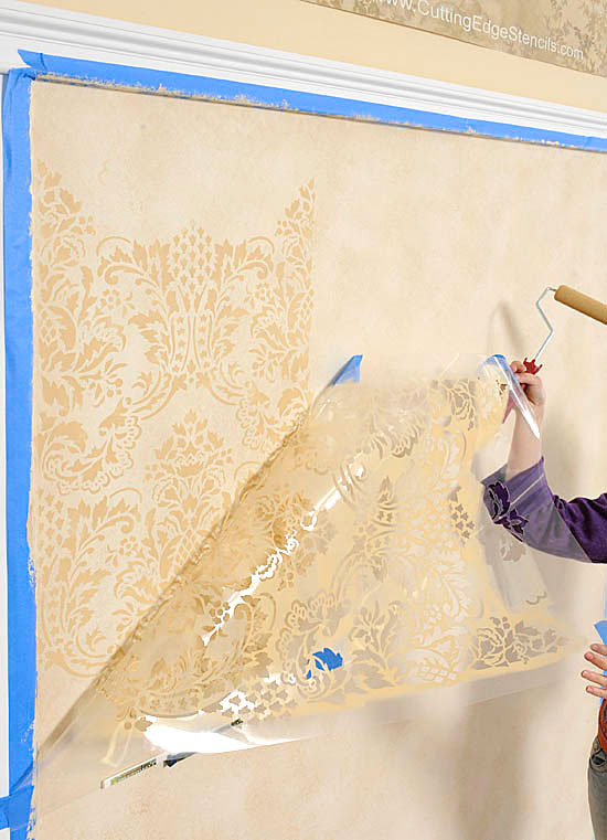 Damask/Allover Stenciling Tips: How to use an interlocking stencil