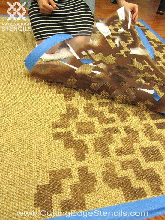 tutorial-DIY-rug-stenciling-decor