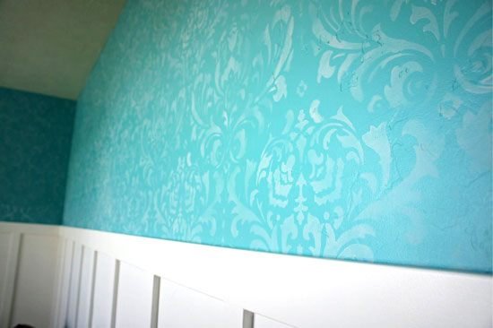 Pretty close-up on an Anna Damask Allover stenciled wall