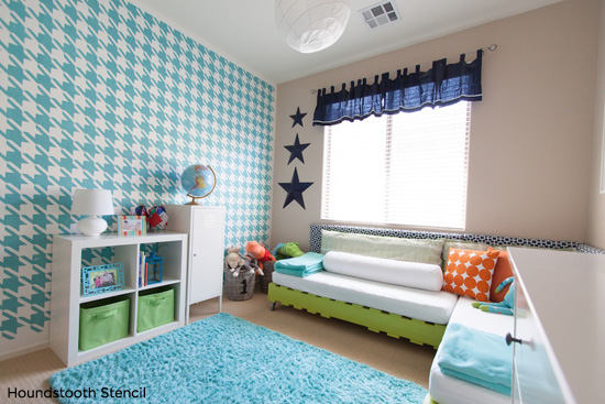 Houndstooth Stenciled blue kids bedroom is absolutely stunning!  Love the bold accent wall. http://www.cuttingedgestencils.com/wall_stencil_houndstooth.html