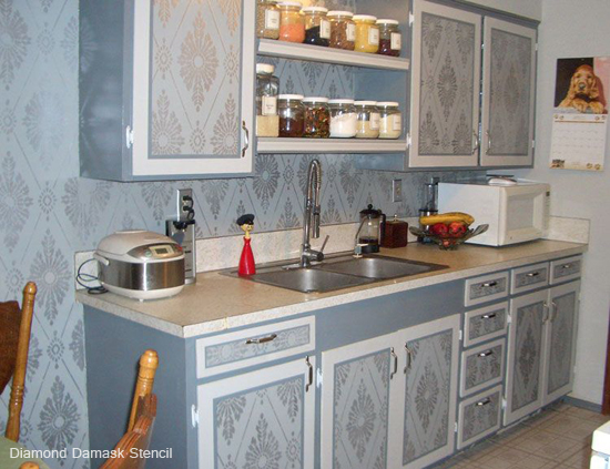 Use the Diamond Damask Stencil in your kitchen to get this gorgeous look! Get it here...http://www.cuttingedgestencils.com/damask-stencil-pattern.html#desc