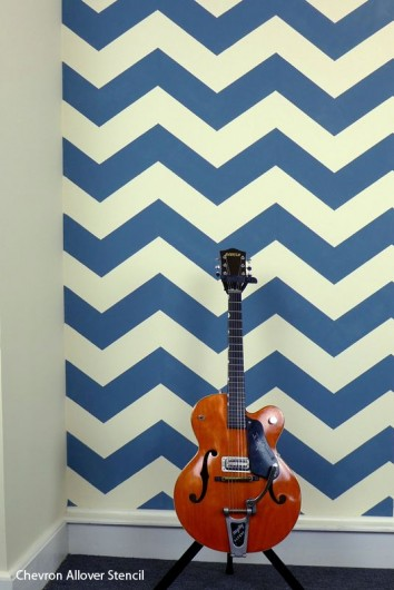 Cutting Edge Stencils shares a video tutorial and step by step instructions on how to paint the Chevron stencil! http://www.cuttingedgestencils.com/chevron-stencil-pattern.html#desc