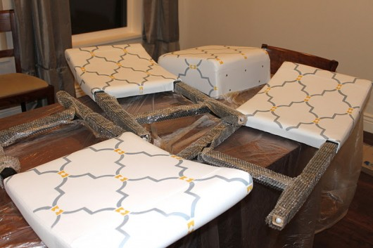 Stenciling a leather chair is easy. Just follow these simple steps using our Marrakech Trellis pattern. http://www.cuttingedgestencils.com/moroccan-stencil-marrakech.html