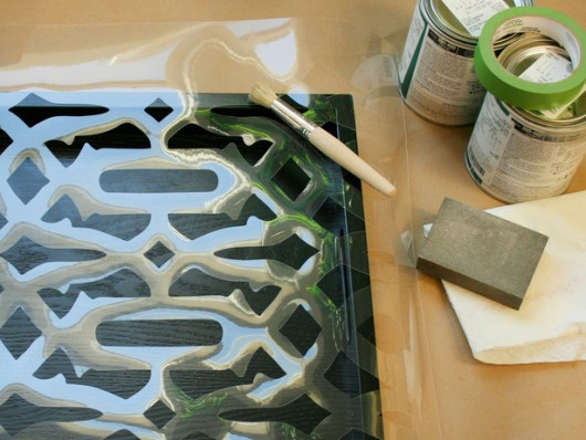 Learn how to stencil a wooden tray using the Trellis Allover pattern from Cutting Edge Stencils. http://www.cuttingedgestencils.com/allover-stencil.html
