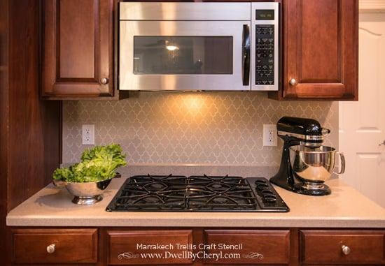 A stenciled kitchen backsplash using the Marrakech Trellis Craft Stencil. http://www.cuttingedgestencils.com/marrakech-stencil.html