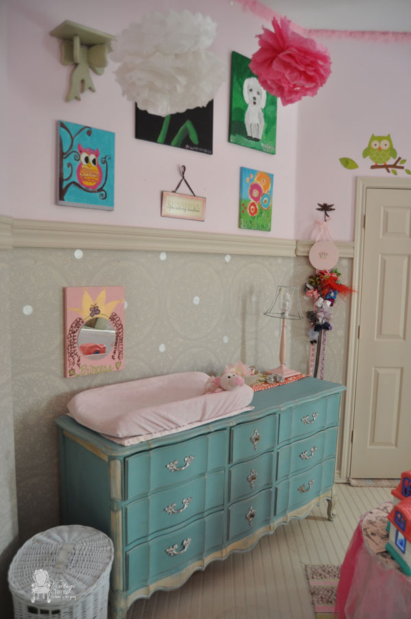 A Stenciled little girls' room using the Charlotte Allover Stencil from Cutting Edge Stencils. http://www.cuttingedgestencils.com/charlotte-allover-stencil-pattern.html