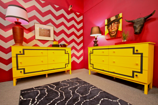 A Chevron stenciled accent wall in one of the bedrooms of MTV's Real World Explosion. http://www.cuttingedgestencils.com/chevron-stencil-pattern.html
