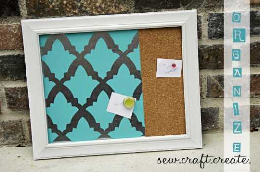Stencil your memo and corkboard using the Turkish Tulip pattern from Cutting Edge Stencils. http://www.cuttingedgestencils.com/turkish-tulip-craft-stencil.html