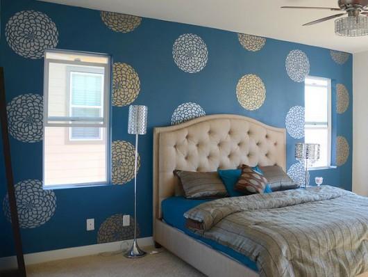 A Blue Zinnia Grande Stenciled Bedroom Http Www Cuttingedgestencils