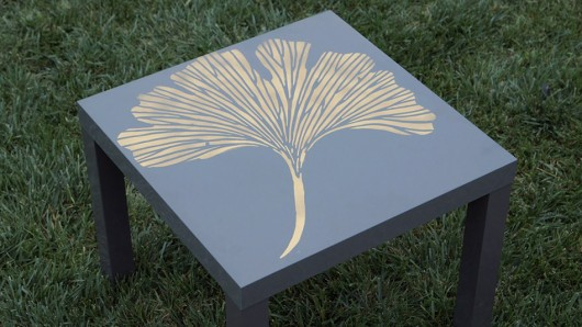 A DIY tutorial for stenciling a table using the Chinese Gingko pattern by Kim Myles.  http://www.cuttingedgestencils.com/ginkgo-stencil-kim-myles.html