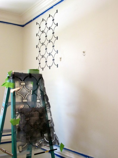 Stenciling a foyer with the Chain Link Allover stencil pattern. http://www.cuttingedgestencils.com/link-stencil-pattern.html