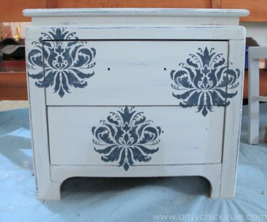 A DIY stenciled nightstand idea using the Gabrielle Damask stencil pattern. http://www.cuttingedgestencils.com/damask-stencil-3.html