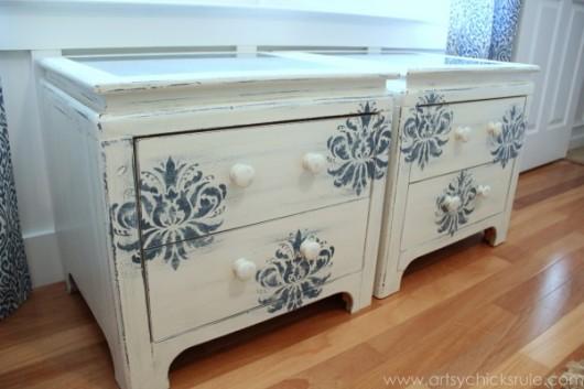 A DIY stenciled nightstand makeover using the Gabrielle Damask stencil pattern. http://www.cuttingedgestencils.com/damask-stencil-3.html