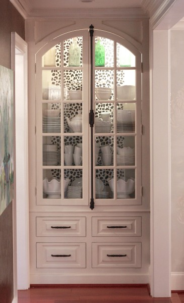 A DIY stenciled china cabinet using the Leopard Skin allover pattern. http://www.cuttingedgestencils.com/leopard-pattern-animal-skin-stencil.html