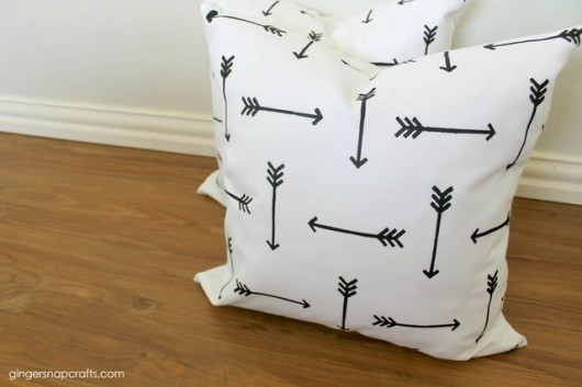 Paint-A-Pillows DIY stenciled accent pillows using the Tribal Arrows kit. http://paintapillow.com/index.php/tribal-arrows-paint-a-pillow-kit.html