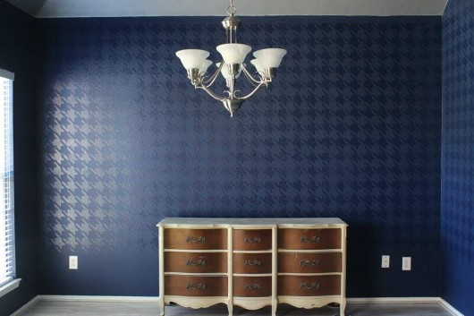 A DIY stenciled dining room using the Houndstooth Allover stencil pattern.  http://www.cuttingedgestencils.com/wall_stencil_houndstooth.html