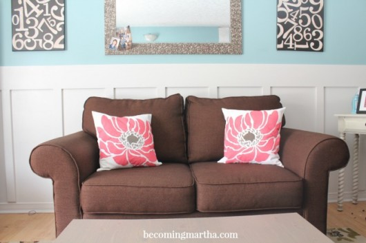 A DIY spring inspired painted pillow using the Anemone Blossom stencil from Paint-A-Pillow. http://paintapillow.com/index.php/anemone-blossom-paint-a-pillow-kit.html