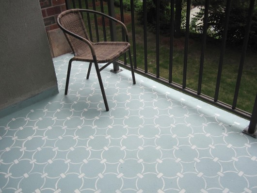 A DIY painted and stenciled concrete balcony with the Chain Link Allover Stencil. http://www.cuttingedgestencils.com/link-stencil-pattern.html