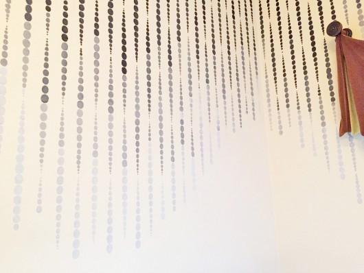 beads-allover-stencil-diy-stenciled-bathroom-wall-ombre (2)
