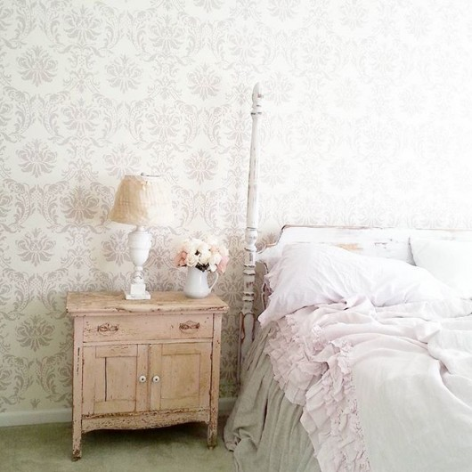Diy Shabby Chic Bedroom: A Shabby Chic Stenciled Bedroom Makeover