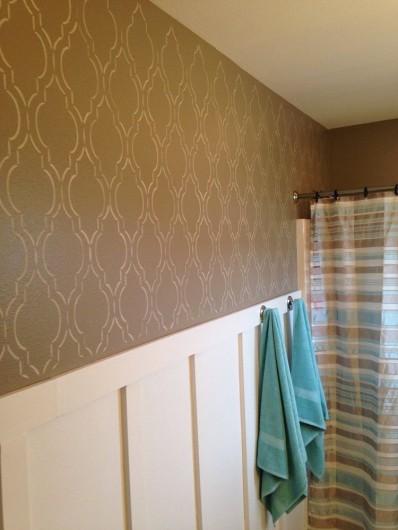 A DIY stenciled bathroom wall using the Sophia Trellis Allover Stencil. http://www.cuttingedgestencils.com/sophia-trellis-stencil-geometric-wall-pattern.html