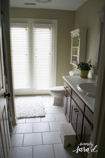 A bathroom before its stenciled makeover using the Myriad Allover stencil pattern. http://www.cuttingedgestencils.com/myriad-modern-wall-pattern-stencil.html