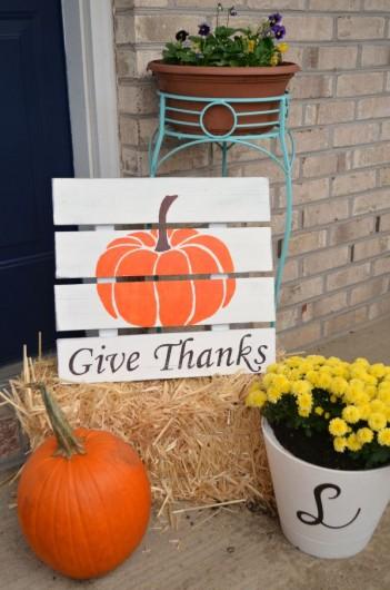 A DIY fall sign using the Pumpkin Craft Stencil from Cutting Edge Stencils. http://www.cuttingedgestencils.com/halloween-pumpkin-stencil-diy-home-decor-crafts.html