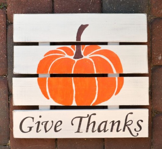 Learn how to stencil a fall sign using the Pumpkin Craft Stencil. http://www.cuttingedgestencils.com/halloween-pumpkin-stencil-diy-home-decor-crafts.html