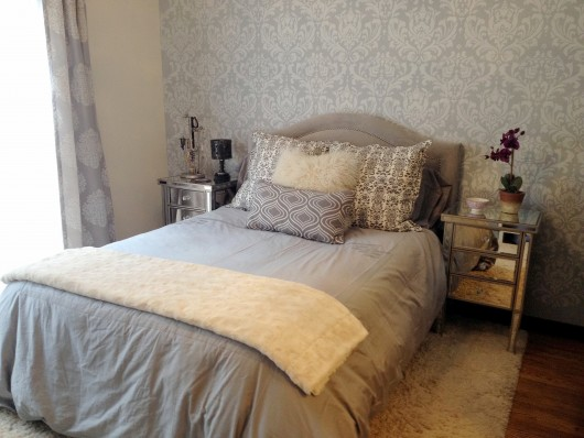 A DIY stenciled accent wall in a bedroom using the Anna Damask Stencil. http://www.cuttingedgestencils.com/damask-stencil.html