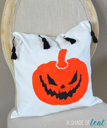 A DIY stenciled Halloween accent pillow using the Jack-o-Lantern Pillow Stencil Kit. http://www.cuttingedgestencils.com/jack-o-lantern-halloween-pumpkin-accent-pillow.html