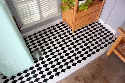 A DIY stenciled garage floor using the Fishscale Allover Stencil from Cutting Edge Stencils. http://www.cuttingedgestencils.com/pattern-stencil-1.html