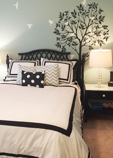 A DIY stenciled accent wall for a teens bedroom using the Large Tree and Bird Stencils. http://www.cuttingedgestencils.com/tree-stencil.html