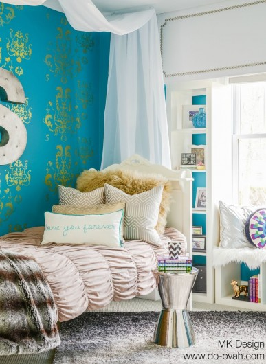 A DIY stenciled tween girl bedroom using the Oceana Damask Stencil in metallic gold. http://www.cuttingedgestencils.com/stencil-nautical-decor.html