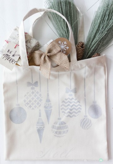 A DIY stenciled tote bag using the Christmas Ornaments Allover Stencil from Cutting Edge Stencils. http://www.cuttingedgestencils.com/christmas-ornamnets-accent-pillow-stencil-kit.html