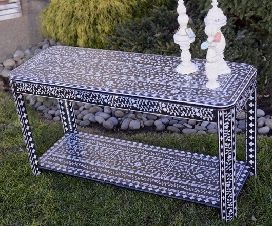 DIY stenciled table using the Indian Inlay Stencil Kit from Cutting Edge Stencils. http://www.cuttingedgestencils.com/indian-inlay-stencil-furniture.html