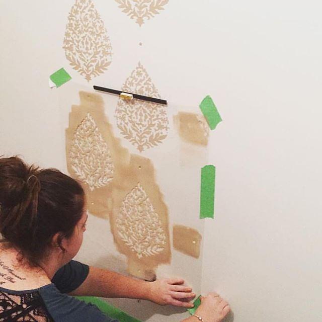 Stenciling the Sari Paisley Stencil pattern on an accent wall. http://www.cuttingedgestencils.com/sari-paisley-allover-stencil.html