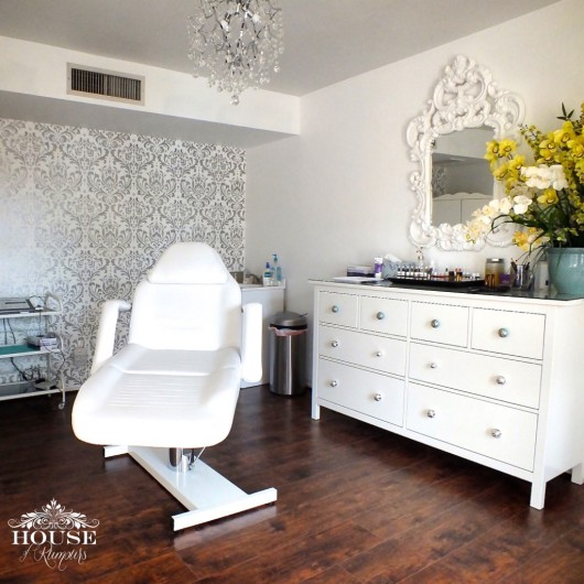 A DIY silver and white accent wall using the Anna Damask Stencil from Cutting Edge Stencils. http://www.cuttingedgestencils.com/damask-stencil.html