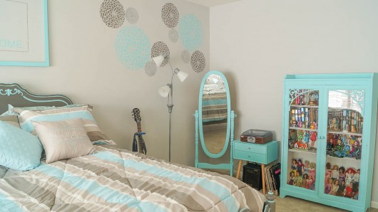 Decorating a Teen Bedroom on A Budget With Stencils ...