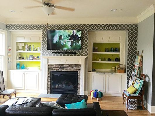 A DIY stenciled living room accent wall using the Moroccan Tiles Allover Stencil from Cutting Edge Stencils. http://www.cuttingedgestencils.com/moroccan-tiles-wall-pattern.html