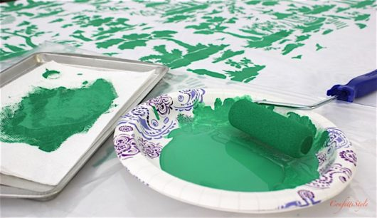 Learn how to stencil a DIY tablecloth using the Secret Garden Toile Stencil from Cutting Edge Stencils. http://www.cuttingedgestencils.com/garden-toile-stencil-chinoiserie-wallpaper.html